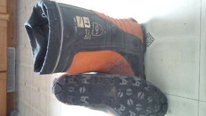 Mens size 10 steel toe rubber boots
