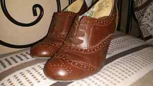 Brown size 8.5 heels Kitchener / Waterloo Kitchener Area image 1