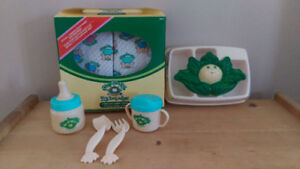 NEW VINTAGE in Box Cabbage Patch Kids 6 Diapers and Food Set