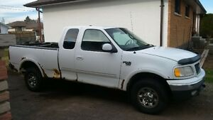 2000 Ford F-150 7700 Heavy Half Ton