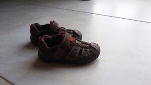 2 paires sandales pointure 5 COMME NEUVE
