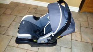 Infant Car Seat Carrier and Base London Ontario image 2
