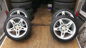 4 Mag Mercedess avec pneu d'hiver Yokohama 205 50R 17 comme neuf