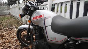 1983 Suzuki GS400E -- Collector