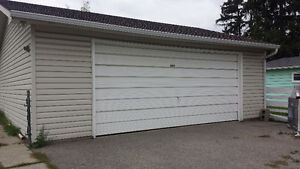 Over-sized Insulated Double Garage 200m from Banff Trail Station