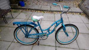 Bicycle, young ladies beach cruiser, (smaller sized)