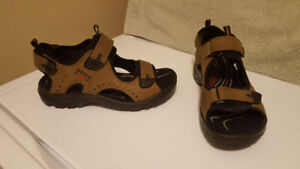 Women's Brown Ecco Sandals - Size 41 - Like New Condition