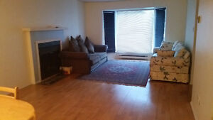 Room available Gatineau side ( move in today or asap)