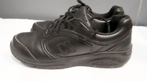New Balance leather shoes size 9.5 W / 8 M