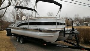 Ponton Harris 220 Cruiser Mercruiser 150HP 2015 Impeccable