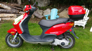 2006 Vespa -Great Scooter to Get Your Motorcycle License On