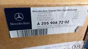 Mercedes a 205 906 72 02 head light right side c300 2015