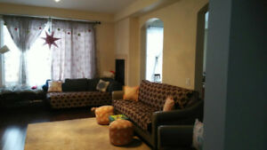 Detached house with 4 Beds for rent on 8th line and 10 SR