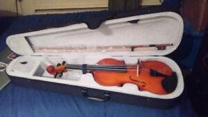Amazing 4/4 Violin!!! - $145 (PORT COQUITLAM)