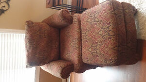 Living room chair and ottoman, 4 years old Kitchener / Waterloo Kitchener Area image 1