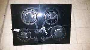 Gas cooktop stove