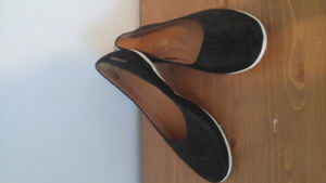 Clarks size 7.5 comfort leather cushion shoes $25