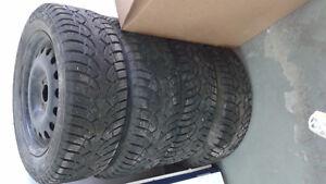 pneu d'hiver 195/60 R15  avec rim