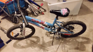 """Girls Supercycle 18"""" bike (4-7 year old)"""