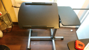 Portable computer table tilts in perfect condition