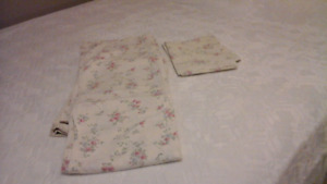 set of double  bed sheets
