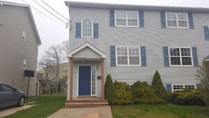 1st Time Home Buyers!!! Great Townhouse Close To Downtown