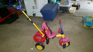 Toddler tricycle with parent handle