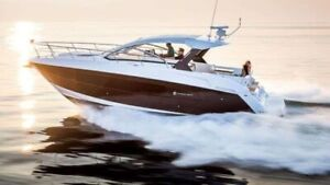 2018 Cruisers Yachts 39 Express Coupe
