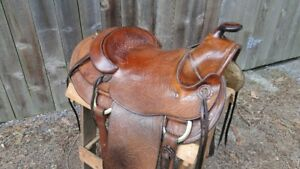 Excellent Western Saddle, OUtfitters Panniers, Bareback Pad