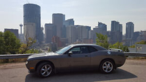 2009 Dodge Challenger SE 3.5L BEAUTIFUL Car with Receipts