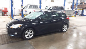 2012 Ford Focus SE Hatchback *WANT SOLD THIS WEEKEND*