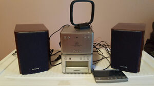 Aiwa XR-M75 Compact Stereo System