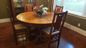 Antique Solid Oak pedestal dining table with 6 chairs
