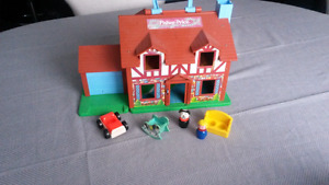 Vintage 1980 Fisher Price Tudor House