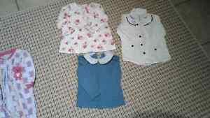 Lots de vêtements filles 12 et 18 mois