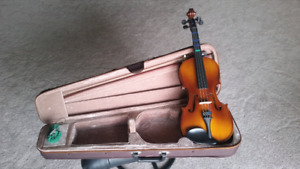 4/4 Violin with Case