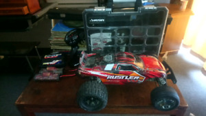 Traxxas Rustler Vxl, 3 batts and upgrades