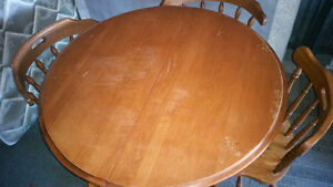 Solid wood dining table 4 chairs 1 leaf delivery included
