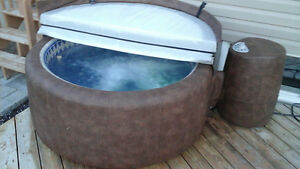 EXELENT CONDITION SOFT TUB 2 PERSON