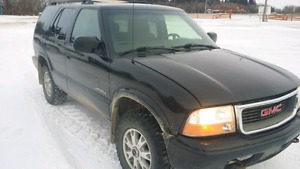 LOW KM!!!! 2003 GMC JIMMY