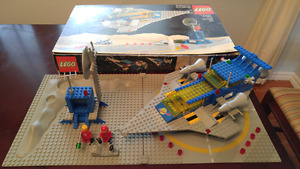 Retro lego space set with box and instructions.