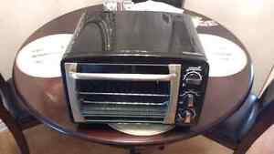 Bravetti Toaster Oven - Almost New