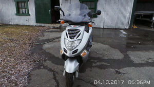 scooter kymco 250 cc