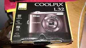 Coolpix L32 Nikon digital camera