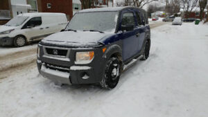 2004 Honda Element Automatic - 318,843 Km - Good condition.