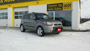 "2011 Kia Soul 4u  "" Sporty 5 Speed "" $7997 + Taxes  204-339-1585"