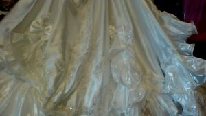 Princess Wedding Gown and Veil with Accessories - Reduced Peterborough Peterborough Area image 5