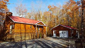 Chalet 4 saisons + garage = Retraite au cœur des Appalaches