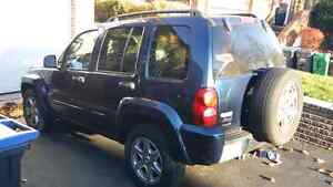 2005 Jeep Liberty Limited Edition / 130K