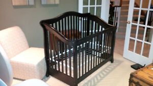Crib 3 in 1 Convertible Crib by Mother Hubbard